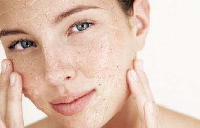 Điểm danh những sản phẩm làm đẹp cần cân nhắc kỹ trước khi dùng để bảo vệ làn da